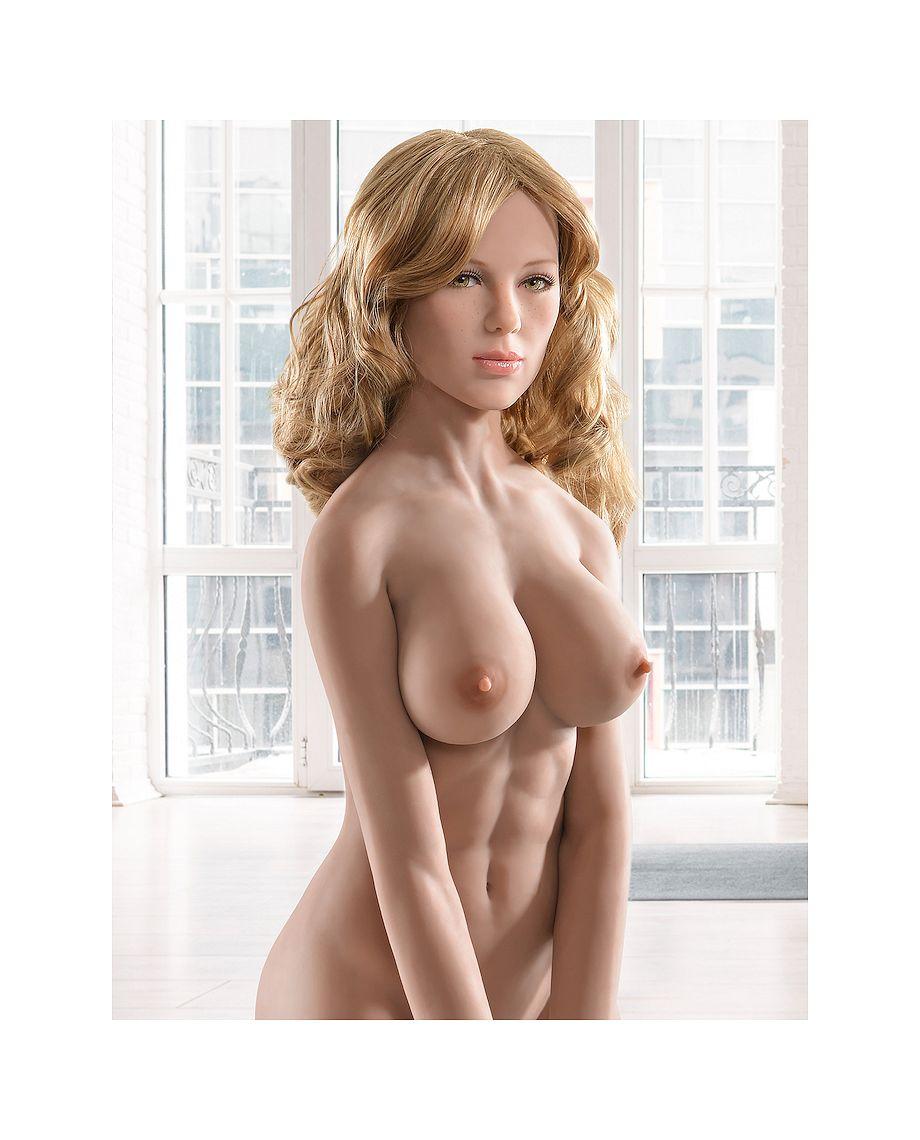Ultimate Fantasy Doll Mandy